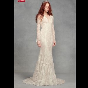 White VERA WANG Bell Sleeve Lace Wedding Dress. 6